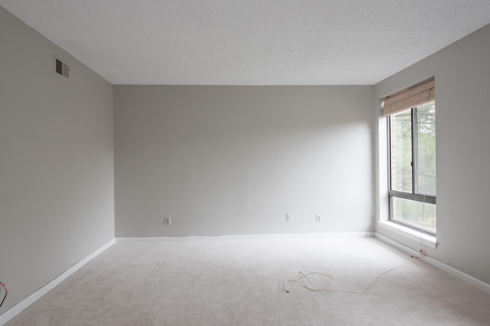 VS Empty Family room