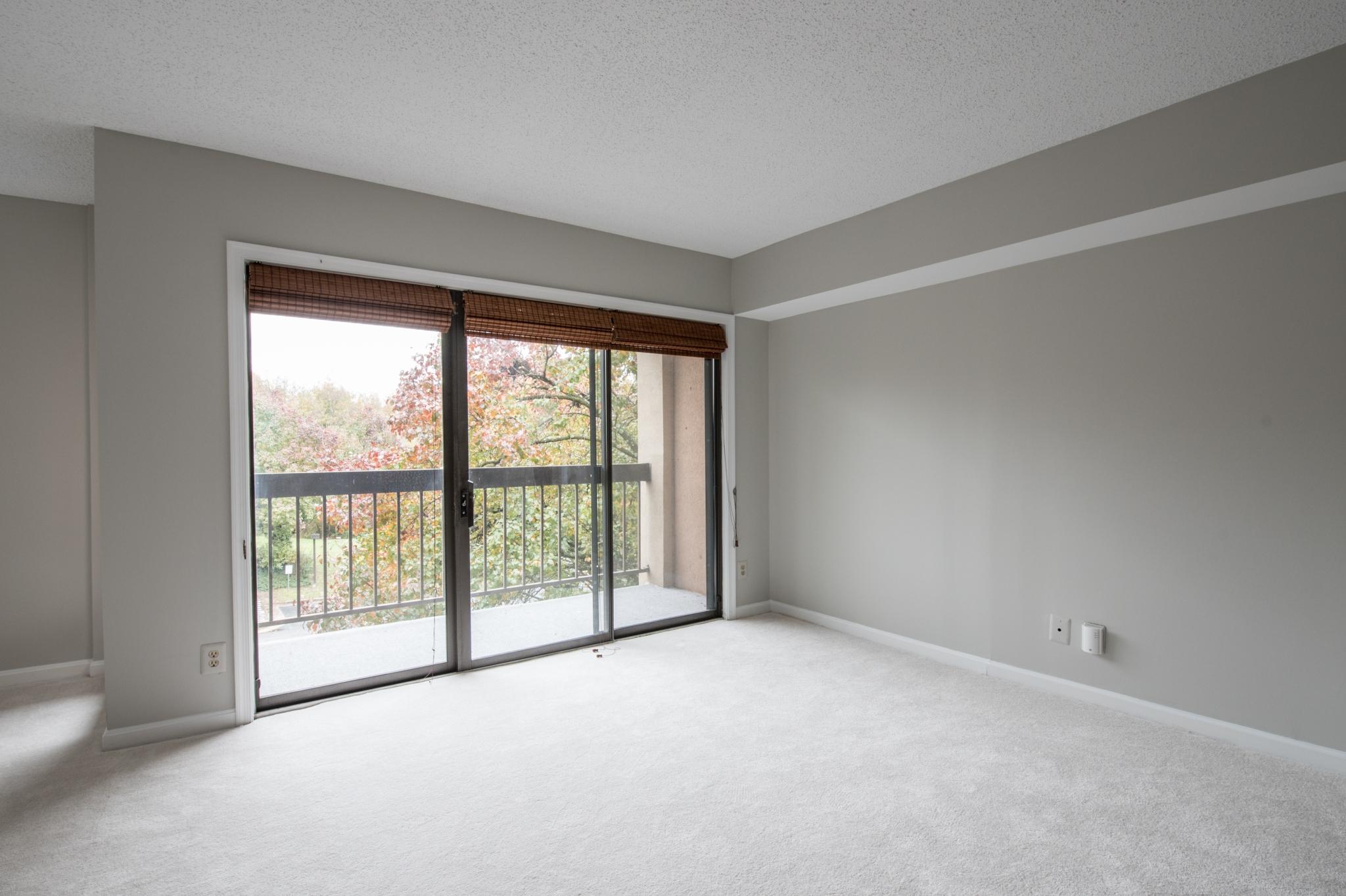 vs empty living room
